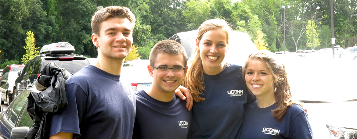 students at move in